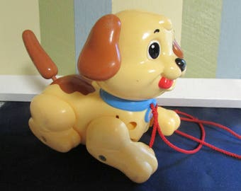 VINTAGE Fisher Price dog / mid-century Fisher Price Toy Puppy / Dog Fisher Price vintage / antique toy
