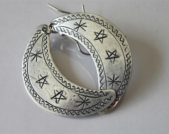 Crescent Moon Earrings, Thailand Hill Tribe, Etched Metal Earrings, Silver Moon Dangle Earrings, Celestial Earrings, Hill Tribe Jewelry