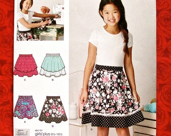 Simplicity Easy Sewing Pattern 8106, Girls' Pull-On Skirts, Tween Teen Sizes 8 10 12 14 16, Spring Summer School Fashion Sportswear, UNCUT