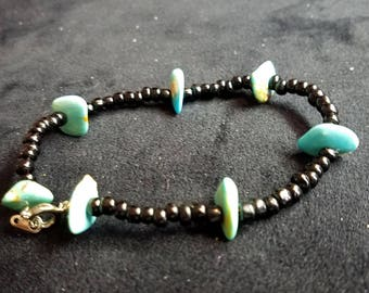 Turquoise Chips and Black Beads Bracelet