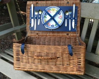 Picnic Basket For Two w/ Dishes Plates & Cutlery Flatware Vintage Set ~ #A1368