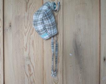 Baby bonnet green tartan