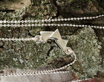 Ball chain necklace with four little triangles