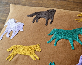 horse embroidery pattern, cushion cover, beginner embroidery, diy embroidery, modern hand embroidery, contemporary, xmas gift for sisters