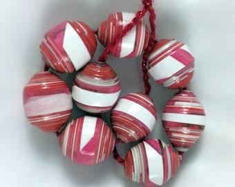 Paper Beads. Dark Pink and White. Eco Friendly. OOAK