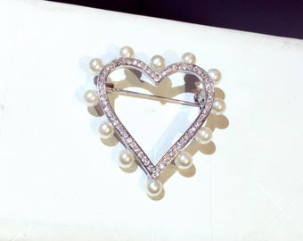 brooch pin heart pearls