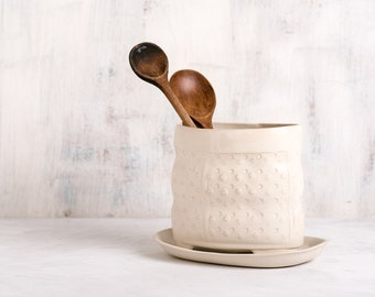 Ceramic utensil holder, white utensil jar, white modern utensil holder, Kitchen utensil storage, pottery kitchen crock, white Kitchen Decor