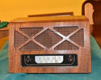 Mid Century Retro Table Top Radio with Wood
