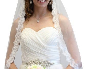 Bridal Veil, Alencon Lace Fingertip Veil, Scallop Lace Veil, Wedding Veil #70811