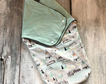 Small cocoon, Sleeping bag, sleep bag, swaddling blanket, Newborn (0-3 months) bears and arrows, soft black interior