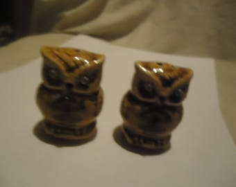 Vintage Western Sales Owl Set Of Salt and Pepper Shakers, Have Stoppers, collectable