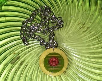 Vintage Bakelite Poker Chip and Bakelite Buttons Pendant Necklace Yellow Green Bakelite Marbled