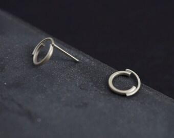 Concentric Circle . Stud Earrings . Arc Earrings . Unique Stud Earrings . Modern stud . Arc Studs .  Stylish earrings