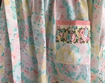Floral waist apron