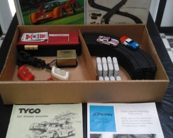 Vintage Tyco HO Scale International Pro Racing 1970's