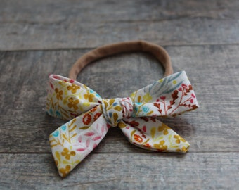 Organic One Size Baby Bow, White Floral, Knot Headband, Bow Headband, Baby Girl Hair Accessories, Baby Headband, Baby Girl Bow,