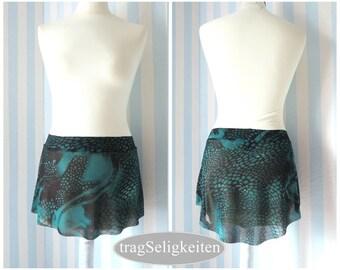 Short mesh ballet skirt, size S/M, black and green dance skirt, slip on, tapered cut, mesh skirt, dancewear, balletwear, SLP4GR