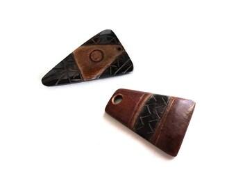 """Pendentif aztèque en corne noir et marron gravée 45mm (1 3/4"""")"""