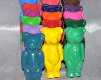 Recycled Crayons Bear Shaped Total of 16.  Boy or Girl Kids Unique Party Favors, Crayons.
