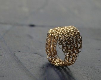 Gold rings for woman - Gold ring band - Wire crochet jewelry - Unique gifts for women - Organic ring - gold leaves ring