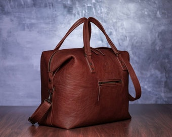 Brown leather travel bag; leather weekend bag; leather duffel bag; leather weekender; overnight bag; travel bag; leather bag; weekender; sac