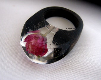 Resin ring and black ebony wood