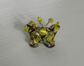multi-perles support yellow metal Butterfly brooch