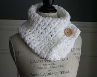 WHITE Cowl Neck Scarf with wooden button, crocheted