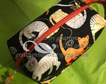 Playful Cats Make Up Bag, Cosmetic Bag, Toiletry Bag, pouch, cosmetics, zipper pull
