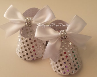 10 Adorable Sparkle Silver and White Sequin Paper Shoe Favor Boxes w/whitebows