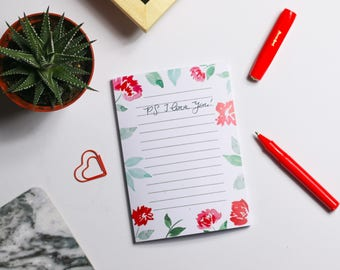 Note pad with floral motif watercolor