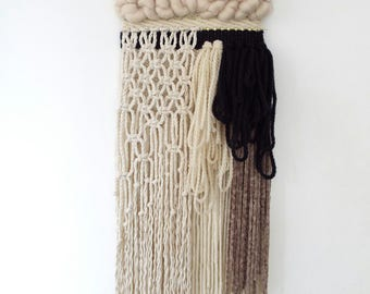 Woven wall hanging/textile weaving/wall art tapestry/macrame/tissage