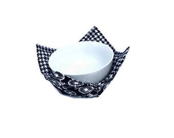 Black and White Bowl Cozy, Bicycles and Houndstooth Bowl Hot Pad, Reversible Bowl Potholder, Microwave Bowl Holder