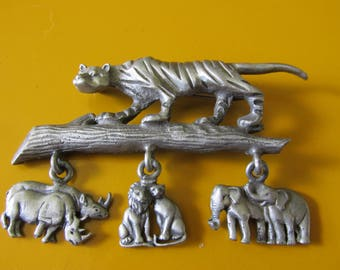 "Vintage RAZZA SAFARI BROOCH Pewter Setting Dangling Animal Accents Marked Uni Sex Collectible Gift Measures 2 1/4"" x 1 3/4"" Zoo Animal Lover"