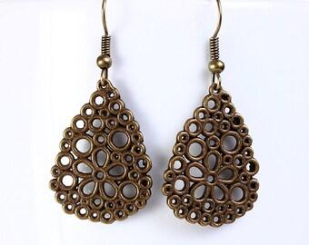 Antique brass filigree flower drop dangle earrings (551)