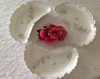 Beautiful Antique Welmar Bone Dishes Delicate Daisies Shabby Chic
