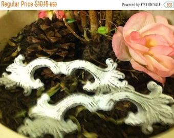 ON SALE, SPRING Sale Drawer Pulls/ Shabby Chic Drawer Pulls/ Drawer Knobs/ Cast Iron Knobs - Set of 2 knobs
