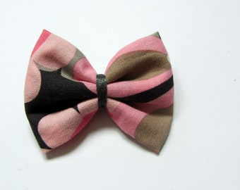 Hair clip pink flower bow