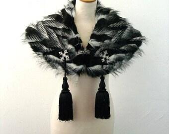 Tufted Faux Fur Cape, Gothic Stole, Black Wrap Capelet, Winter Bride