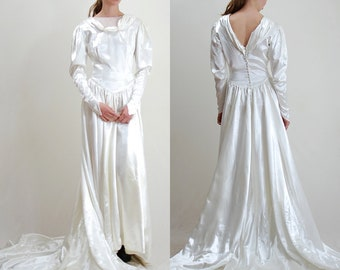 40s Wedding Dress / Wedding Gown / Wedding Dress / 1940s / White Wedding / Button Back / White Satin Gown / 1940s / X Small Small