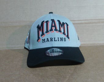 Miami Marlins Fitted Baseball Cap - Mens Size Medium/Large