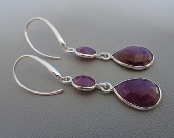 SALE!! 20% OFF!!! Silver earrings with gemstone Ruby - dangling - sterling 925 zilver - gift for girl woman