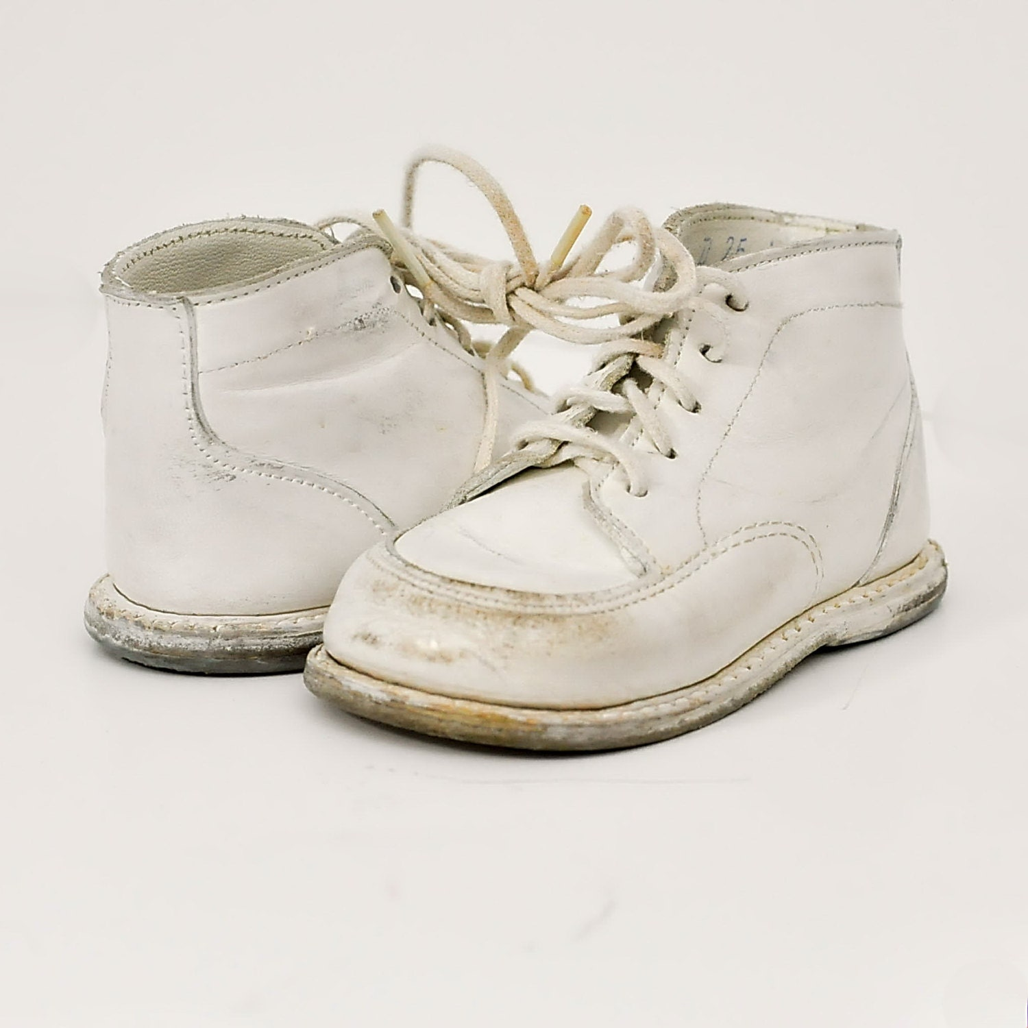 Pussyfoots Savage White Leather Baby Boots Shoes Booties
