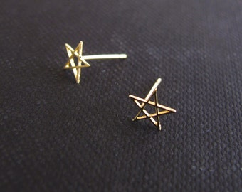solid gold earrings, tiny star stud earrings, solid gold post earrings, rose gold star earrings, shooting star earrings, tiny gold studs