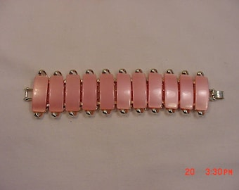 Vintage Big Sure To Be Noticed Pink Thermoset Bracelet   18 - 149
