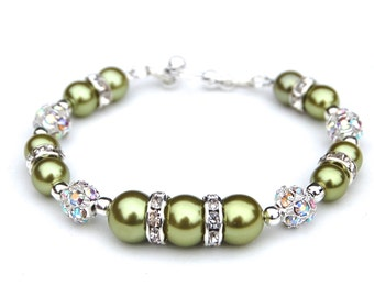 Lime Green Pearl Bracelet, Bridesmaid Jewelry, Green Bridesmaid Gifts, Green Wedding, Spring Wedding, Bridesmaids Gifts