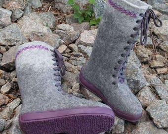 Outdoor felted womens grey boots with rubber soles. Organic womens winter shoes. Size 5