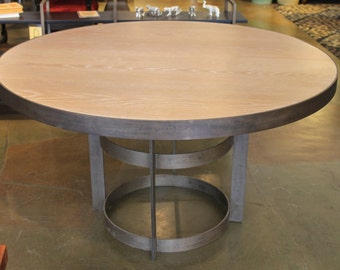 Philadelphia Modern Round Dining Table