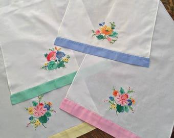 Vintage Linens, Set Of Four Tea Towels, Pastel Colors, Floral Applique and Embroidery, Finger Tip Towels, Hostess Gift, Cottage, Farmhouse