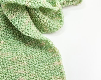 Handknit scarf in willow green  BELLEVUE// tussah silk  merino  spring green  ivory  apres-ski